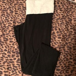 vs pink leopard print full length yoga pants .